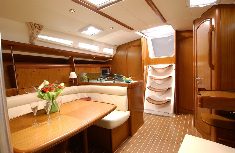boat-42i_interieur_20110301103112